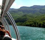 Img 1: A river cruise at Cofrentes