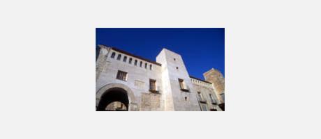Img 1: CASTILLO PALACIO DE LOS MILÁN DE ARAGÓN (LES MARQUIS D'ALBAIDA)