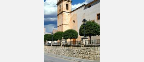 Img 1: Iglesia parroquial Santiago Apóstol