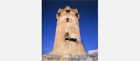 Img 1: Torre árabe y cuevas que la circundan