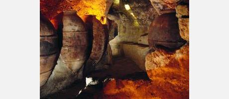 Imagen de las cuevas de la Villa en Requena