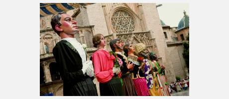 Img 2: La Cabalgata del Convite invade Valencia de danzas, música y color