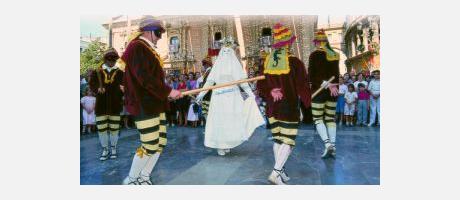Img 1: La Cabalgata del Convite invade Valencia de danzas, música y color