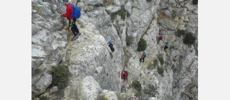 Escalada en Petrel con Grieta Aventura