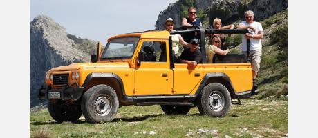 Viaja con un jeep safari con Marco Polo Expediciones