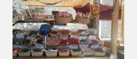 Un puesto de dulces artesanos