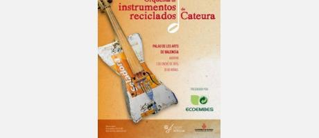 Cartel con una guitarra hecha con material reciclado
