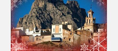 El Puig Campana y las casas colgantes.