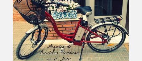 Bicicleta en la entrada del hotel