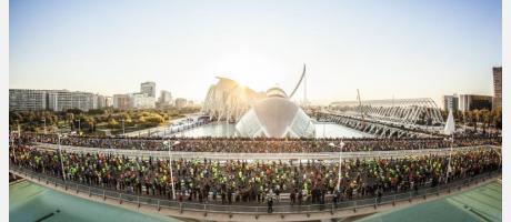 Vista general de la llegada del Maratón de València