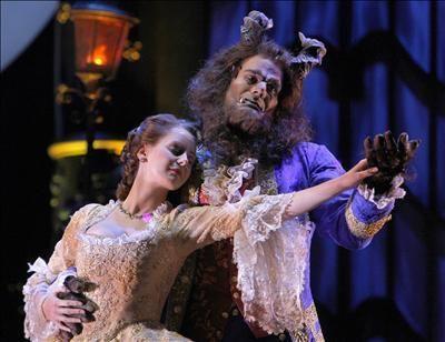 "Teatro musical ""Bella i Bèstia són"""