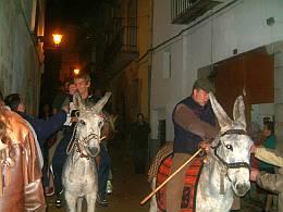Cinctorres celebra Sant Antoni con su tradicional arrastre de las encinas