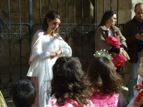 Caballeros y princesas en El Puig