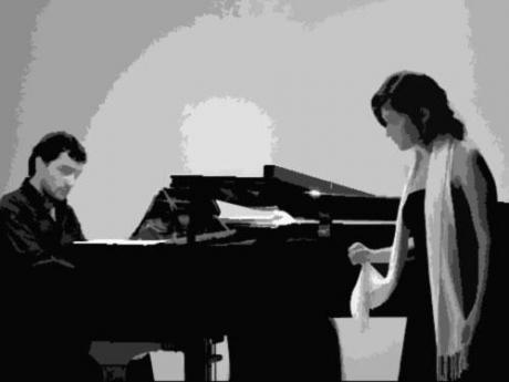 Vélez y Daniel Gil. Piano y soprano