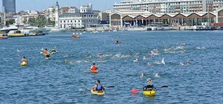 Travesia a nada al puerto de Valencia
