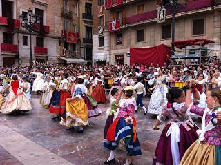 Bailes regionales con tabal y dolçaina