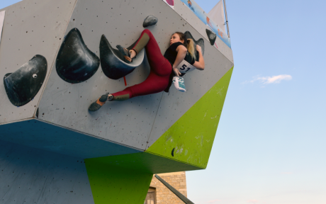 Aimez-vous l'escalade ? Le II Urban Boulder Open Jeanstrack vous attend à Morella !