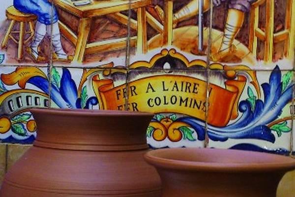 La cer mica se apunta a la fiesta en manises Ceramica artesanal valencia