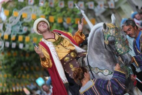 Fiesta, gastronomía y música en los Moros y Cristianos de Xixona